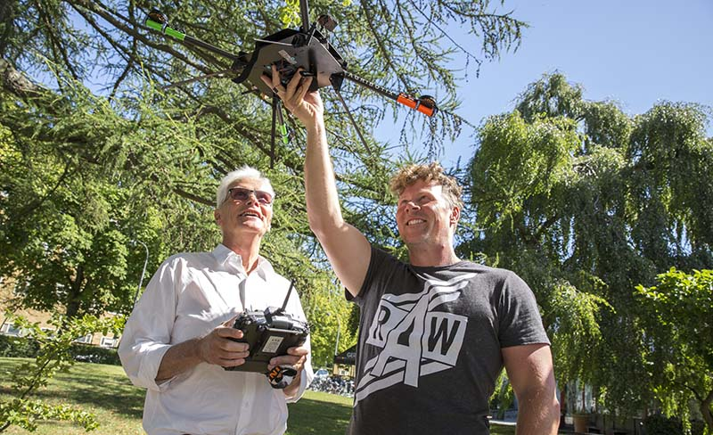 Human geographer Ola Hall and sociologists Göran Djurfeldt run a project where they use drone images to understand variations in crop yield.